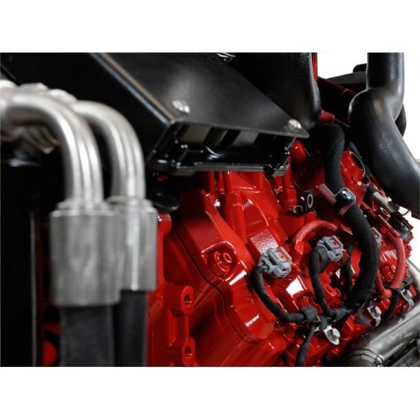BUKH V8 / 350 - 500 HP